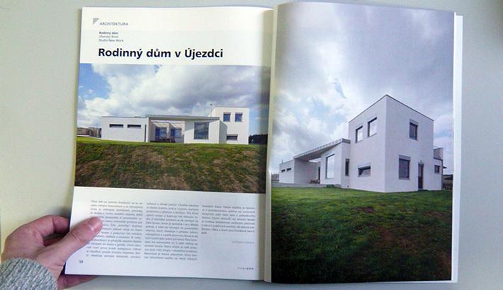 Recenze rodinného domu v Újezdci v časopise Stavba