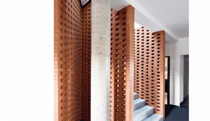 Recenze administrativní budovy Rapos v časopise Stavba