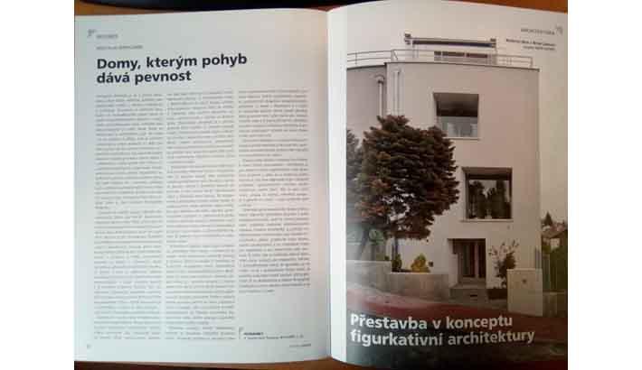 Recenze tří domů v časopise Stavba