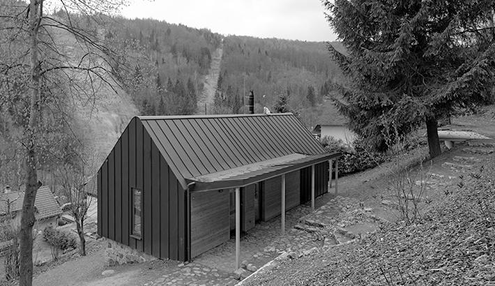 Chata v Zadní Telnici a dům v Dolních Kounicích v Ročence dřevostaveb 2019
