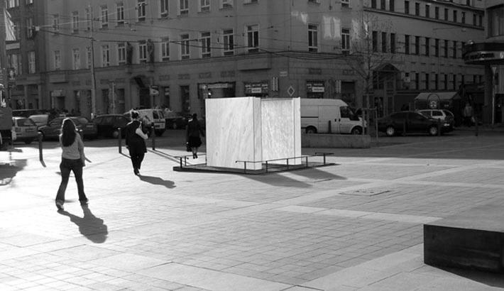 Brno - socha spravedlnosti - Newwork
